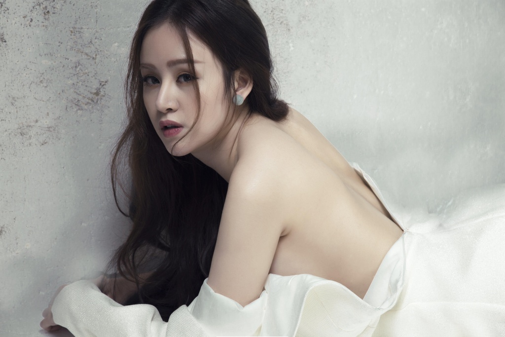 Ba Tung sau 6 nam gay 'bao mang': Toi da het tuoi thich coi hinh anh 1