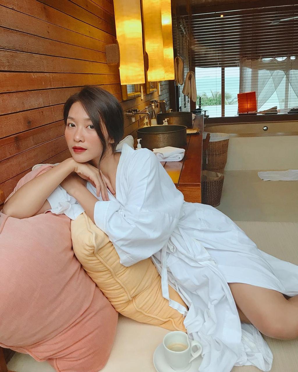 Hot girl Kha Ngan: 'Ai dong den gia dinh, nhat dinh toi khong de yen' hinh anh 3