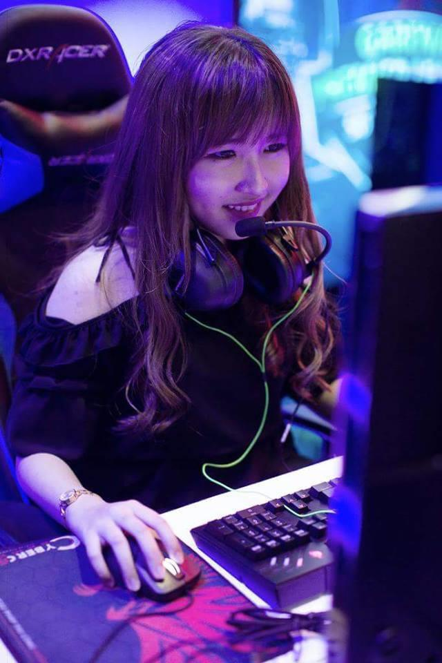 Streamer the he moi - nhap vien, bo nghe vi 'song khong giong nguoi' hinh anh 5