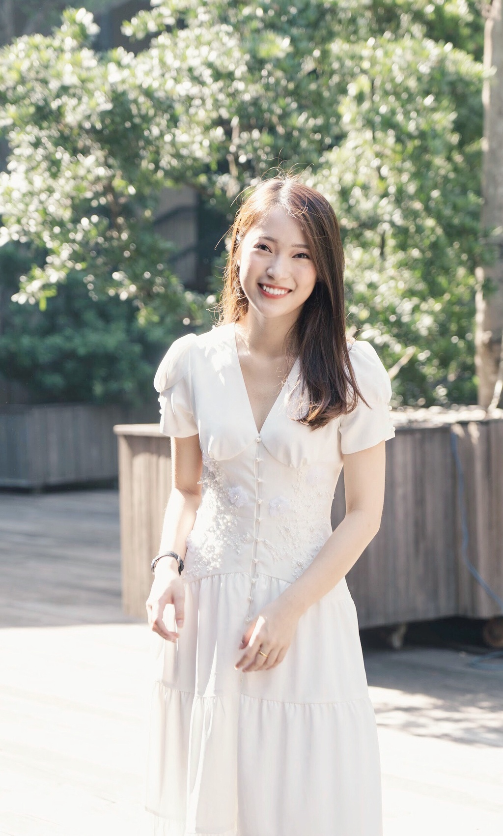 Hot girl Khanh Vy: 'Minh lam nhieu hon mot co gai noi 7 thu tieng' hinh anh 5
