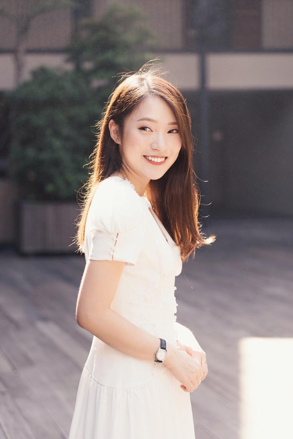 Hot girl Khanh Vy: 'Minh lam nhieu hon mot co gai noi 7 thu tieng' hinh anh 8