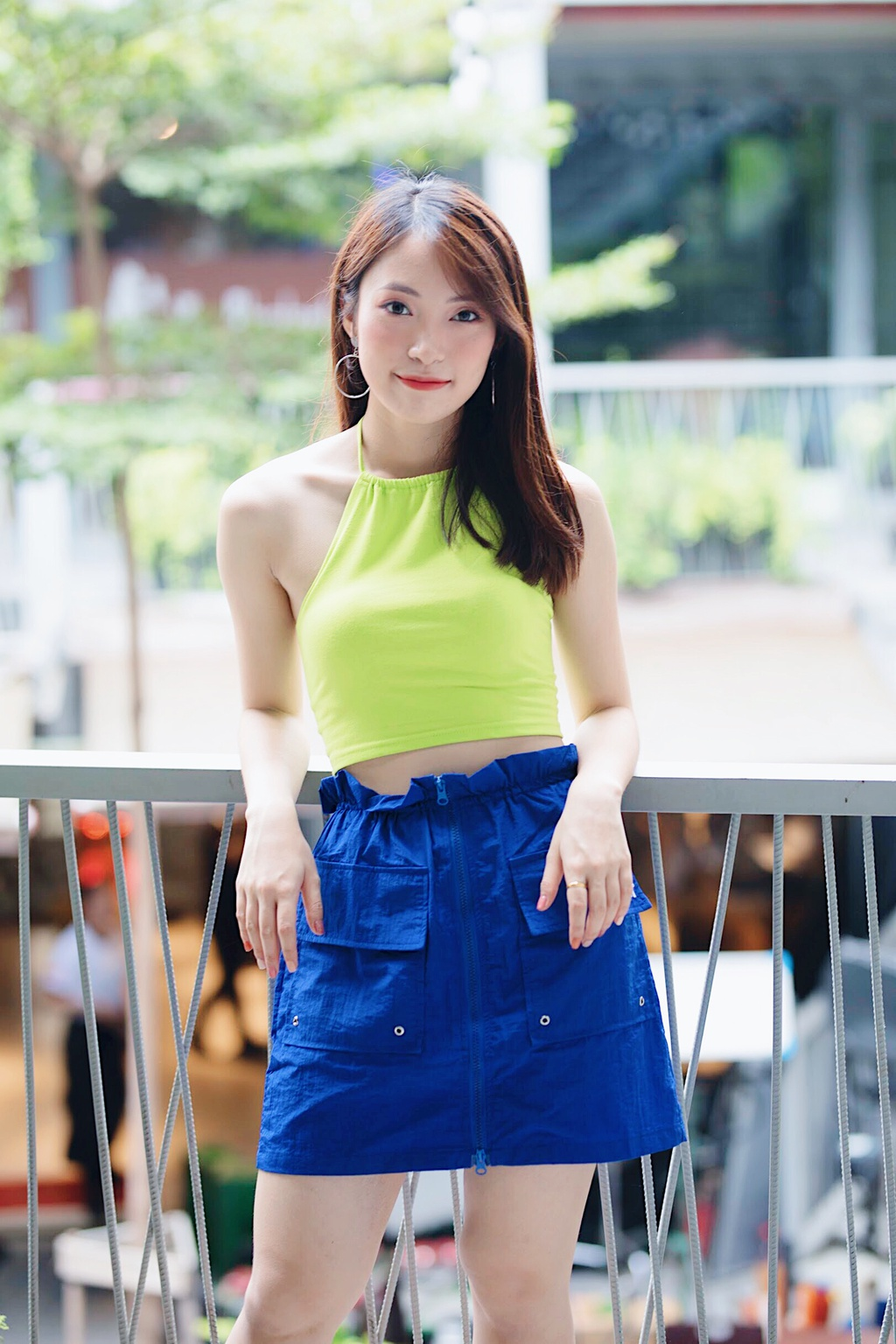 Hot girl Khanh Vy: 'Minh lam nhieu hon mot co gai noi 7 thu tieng' hinh anh 7