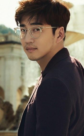 Vi sao Honey Lee duoc menh danh la Hoa hau goi cam nhat Han Quoc? hinh anh 11 Yoon_Kye_Sang.jpg