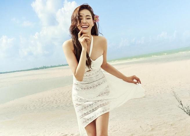 Vi sao Honey Lee duoc menh danh la Hoa hau goi cam nhat Han Quoc? hinh anh 1 honey_lee32_37075834_429690517528424_6180957284726734848_n.jpg