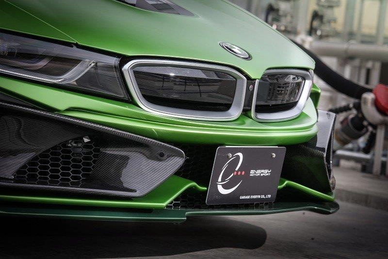 BMW I8 Roadster lot xac voi dan ao xanh nham hinh anh 2
