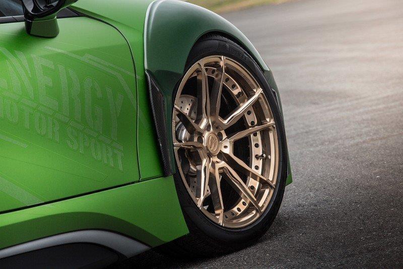 BMW I8 Roadster lot xac voi dan ao xanh nham hinh anh 4
