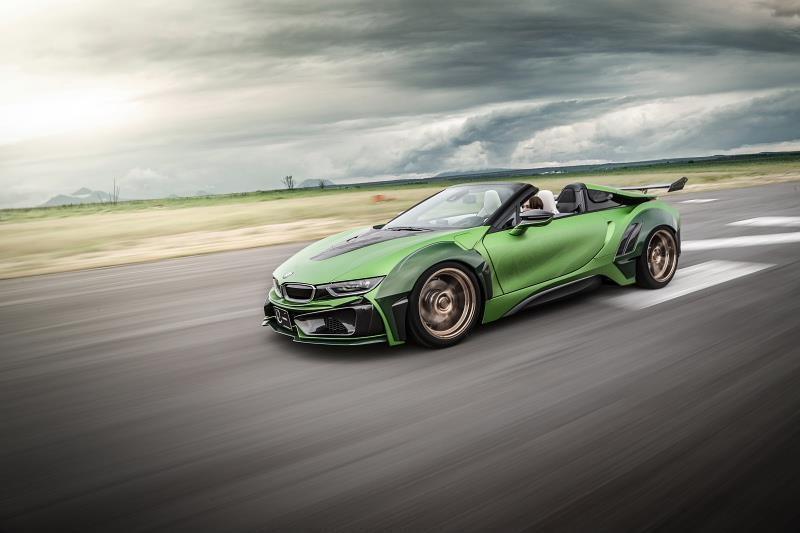 BMW I8 Roadster lot xac voi dan ao xanh nham hinh anh 7