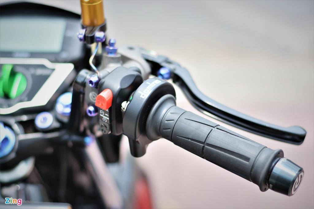 Suzuki Raider do do choi hang hieu ton 100 trieu cua biker mien Tay hinh anh 6