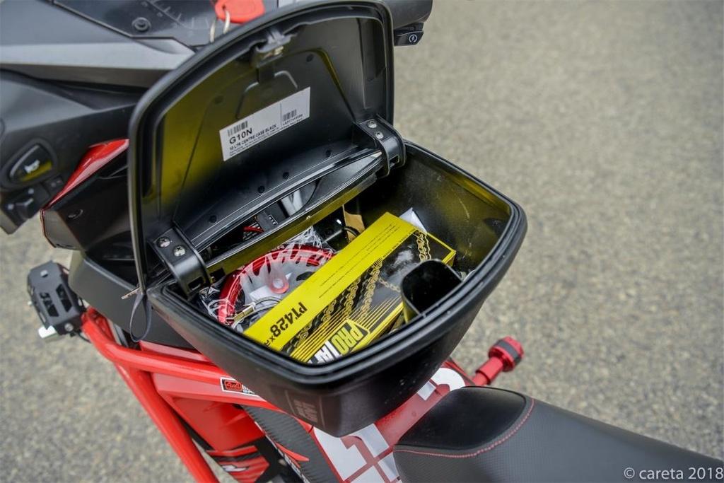 Honda Winner do phong cach 'di phuot' cua thay giao cuc chat hinh anh 4