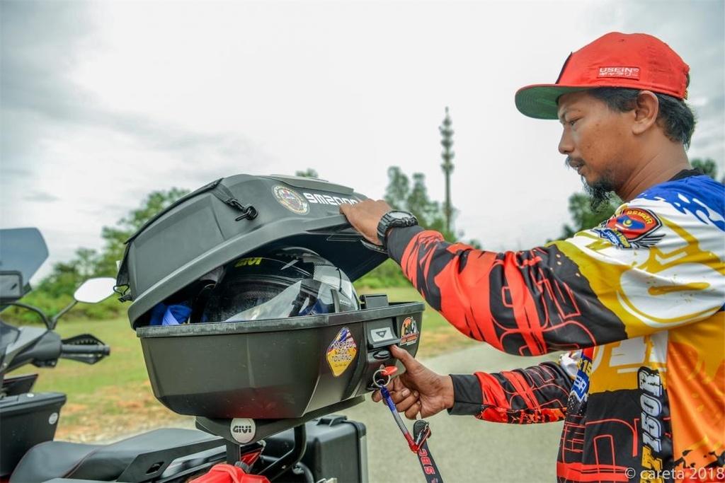 Honda Winner do phong cach 'di phuot' cua thay giao cuc chat hinh anh 5