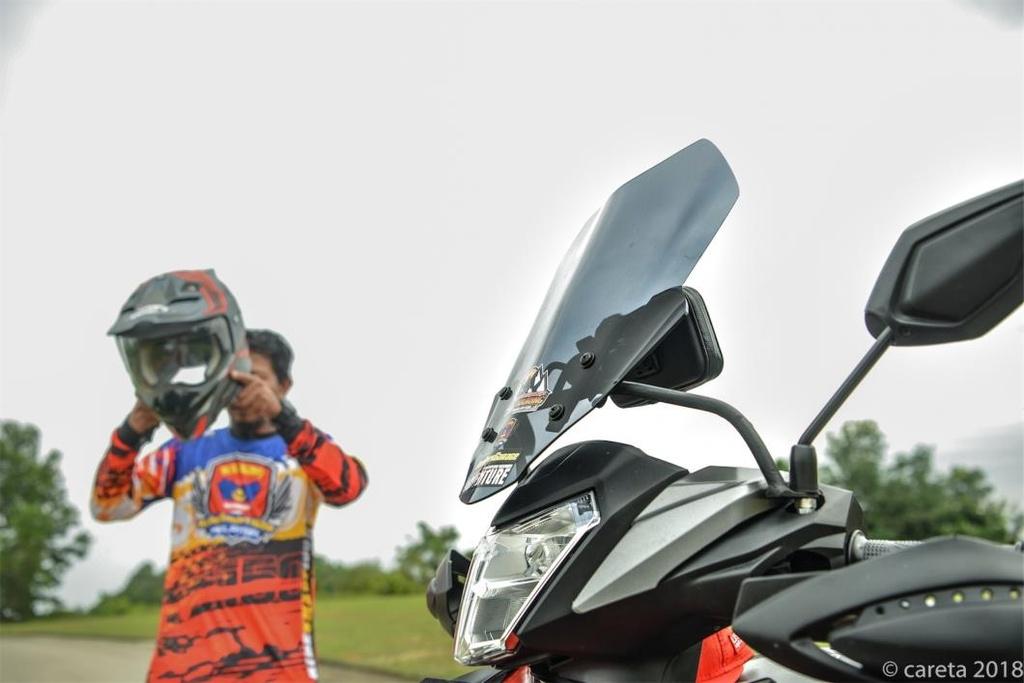 Honda Winner do phong cach 'di phuot' cua thay giao cuc chat hinh anh 7