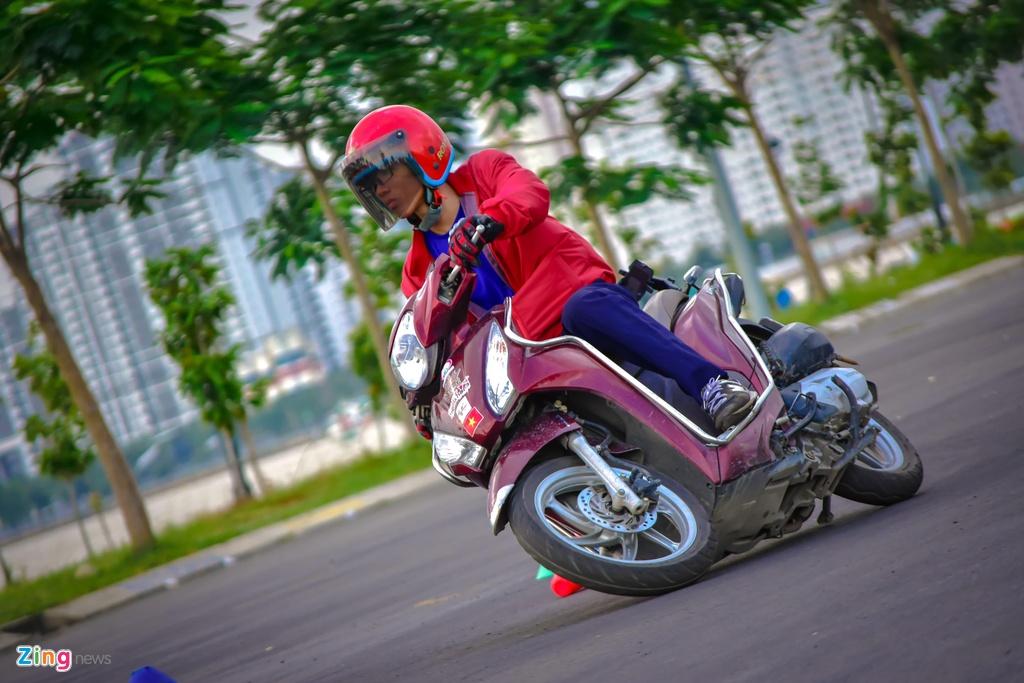 Honda Vision hay Yamaha Janus anh 7