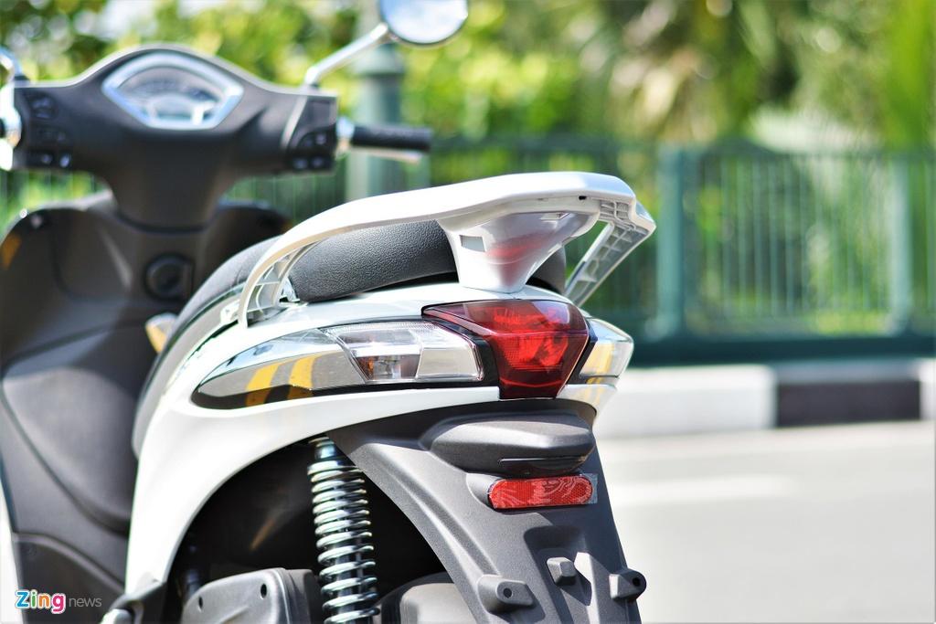 Piaggio Liberty One gia 48,9 trieu co gi de canh tranh Honda SH Mode? hinh anh 8
