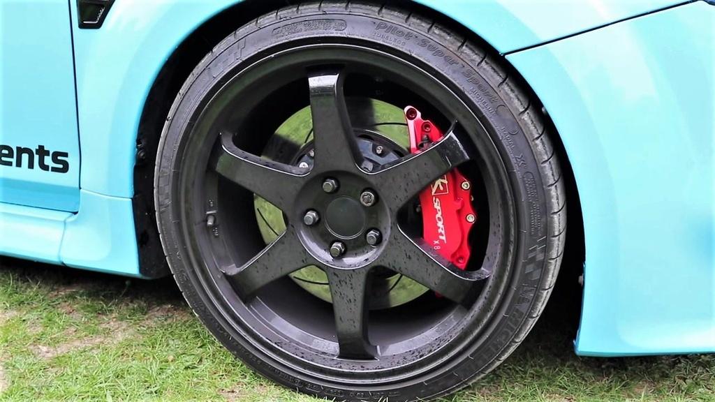 Ford Focus RS do cong suat gap 3 lan xe nguyen ban hon 900 ma luc hinh anh 10