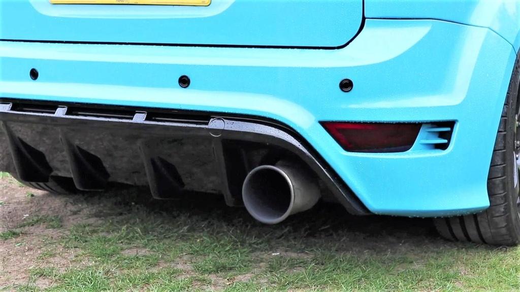 Ford Focus RS do cong suat gap 3 lan xe nguyen ban hon 900 ma luc hinh anh 3