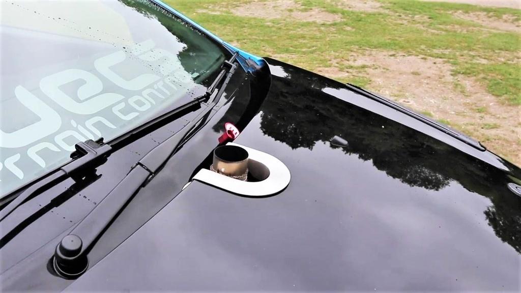 Ford Focus RS do cong suat gap 3 lan xe nguyen ban hon 900 ma luc hinh anh 5