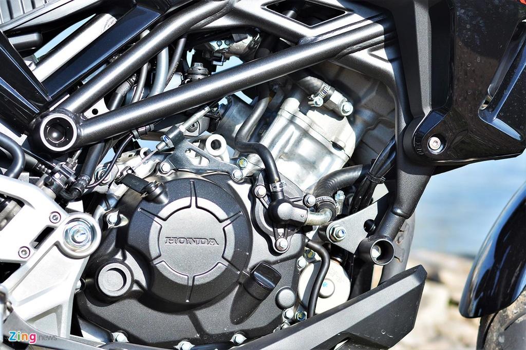 Danh gia kha nang van hanh trong pho cua Honda CB150R Exmotion hinh anh 9