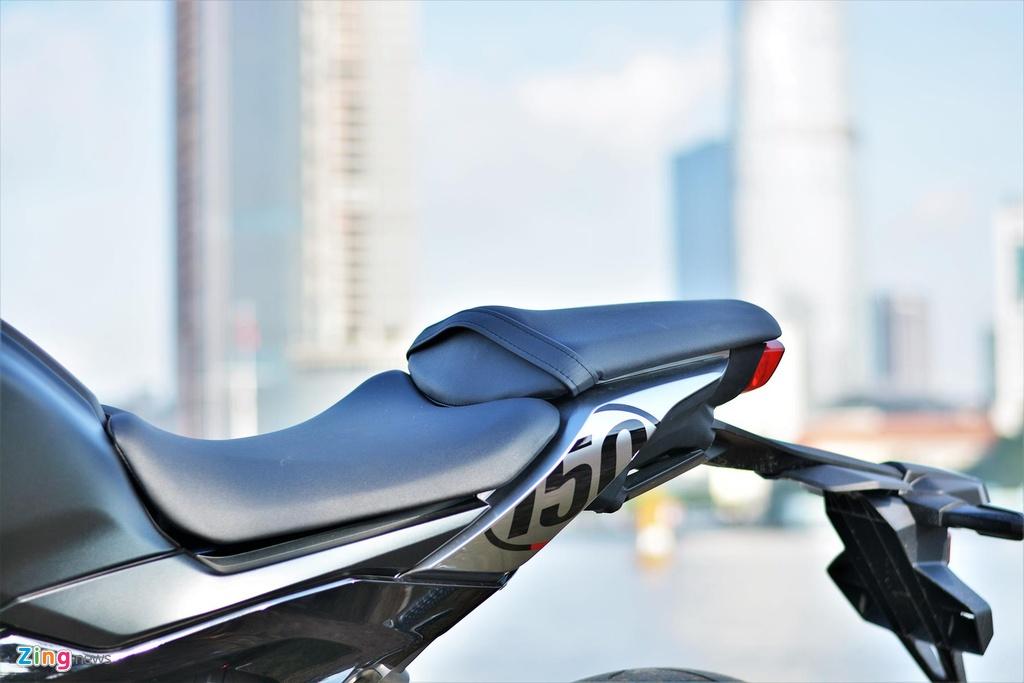 Danh gia kha nang van hanh trong pho cua Honda CB150R Exmotion hinh anh 7