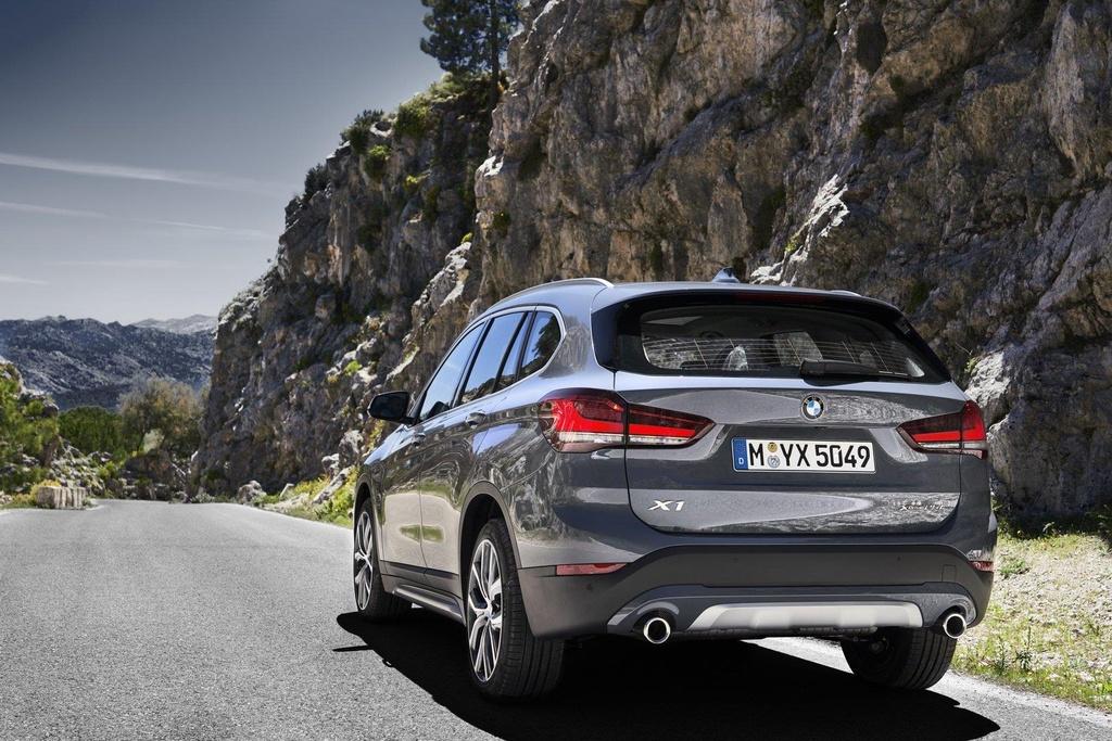 BMW X1 2020 ra mat tai Australia, noi bat voi luoi tan nhiet khong lo hinh anh 2