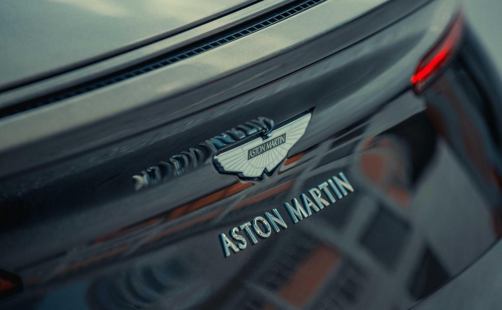 Aston Martin DB11 cap ben Viet Nam anh 7