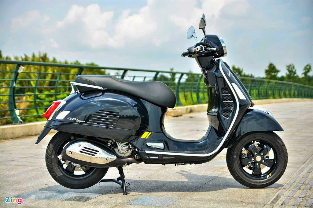 Chi tiet Vespa GTS 300 HPE - dong co moi, gia 155 trieu dong hinh anh 14