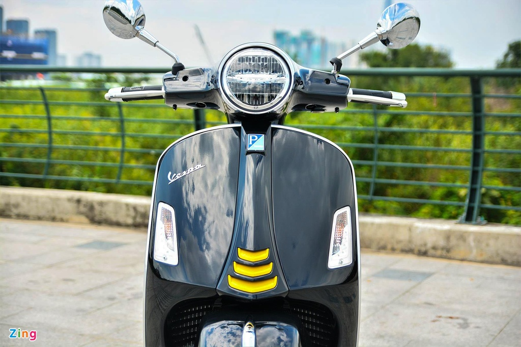 Chi tiet Vespa GTS 300 HPE - dong co moi, gia 155 trieu dong hinh anh 2