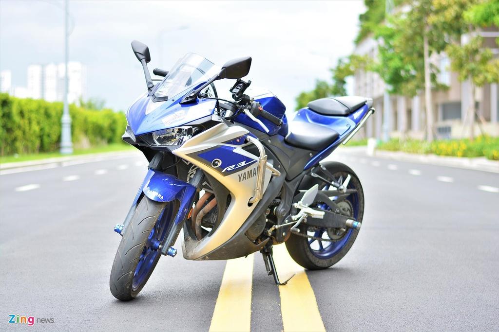 Yamaha YZF-R3 chay trong duong dua thuong trang bi nhung gi? hinh anh 4