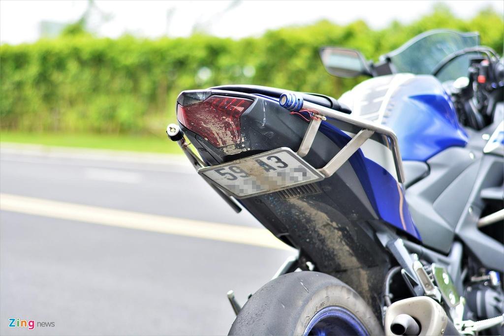 Yamaha YZF-R3 chay trong duong dua thuong trang bi nhung gi? hinh anh 8