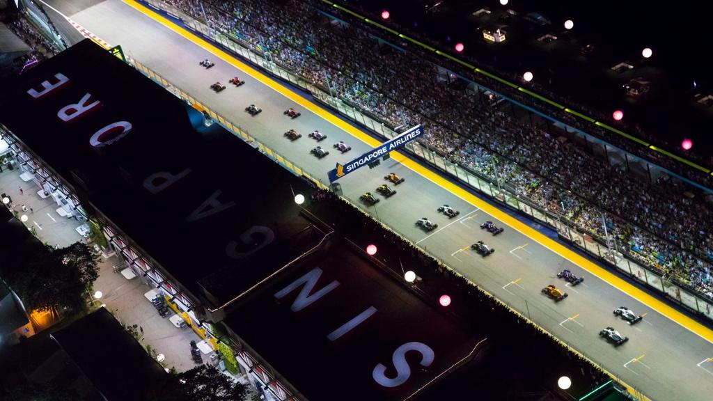 Toan canh chang dua F1 Singapore GP anh 1