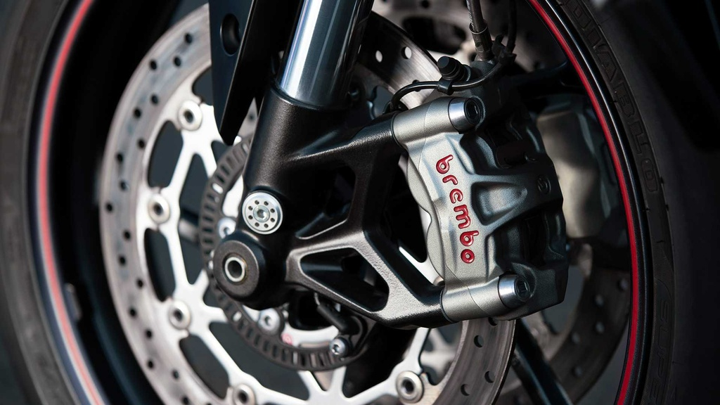 Triumph Street Triple RS 2020 ra mat, du dan hon, dong co Moto2 hinh anh 5