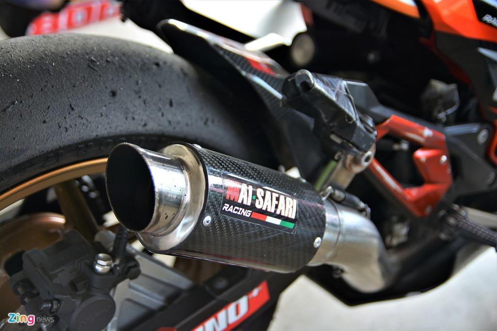 Nakedbike Kawasaki Z800 do thanh phien ban xe dua chuyen nghiep hinh anh 11
