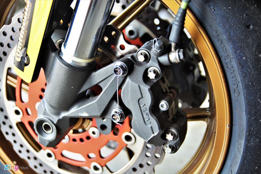 Nakedbike Kawasaki Z800 do thanh phien ban xe dua chuyen nghiep hinh anh 13