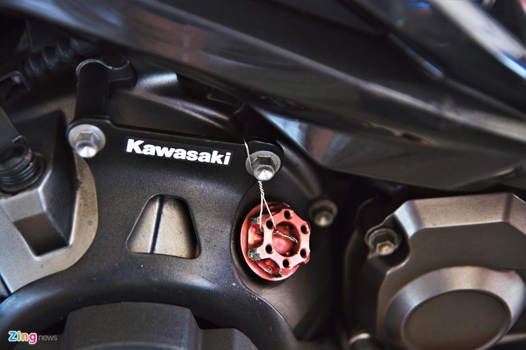 Nakedbike Kawasaki Z800 do thanh phien ban xe dua chuyen nghiep hinh anh 14