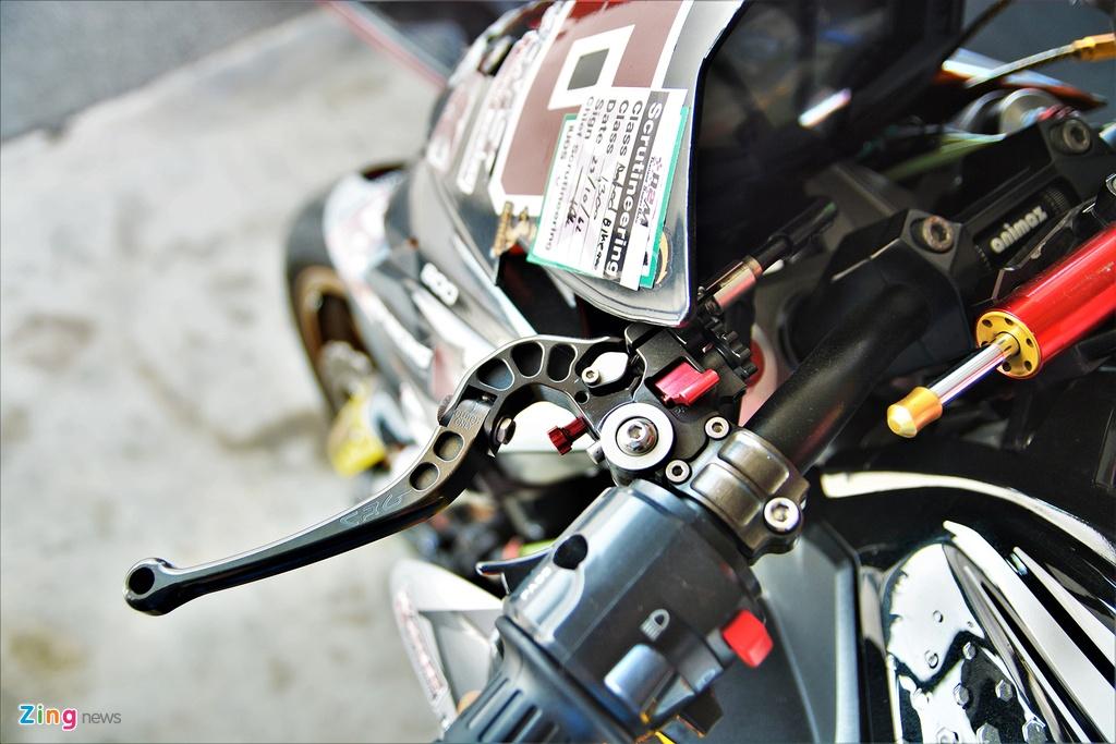 Nakedbike Kawasaki Z800 do thanh phien ban xe dua chuyen nghiep hinh anh 5