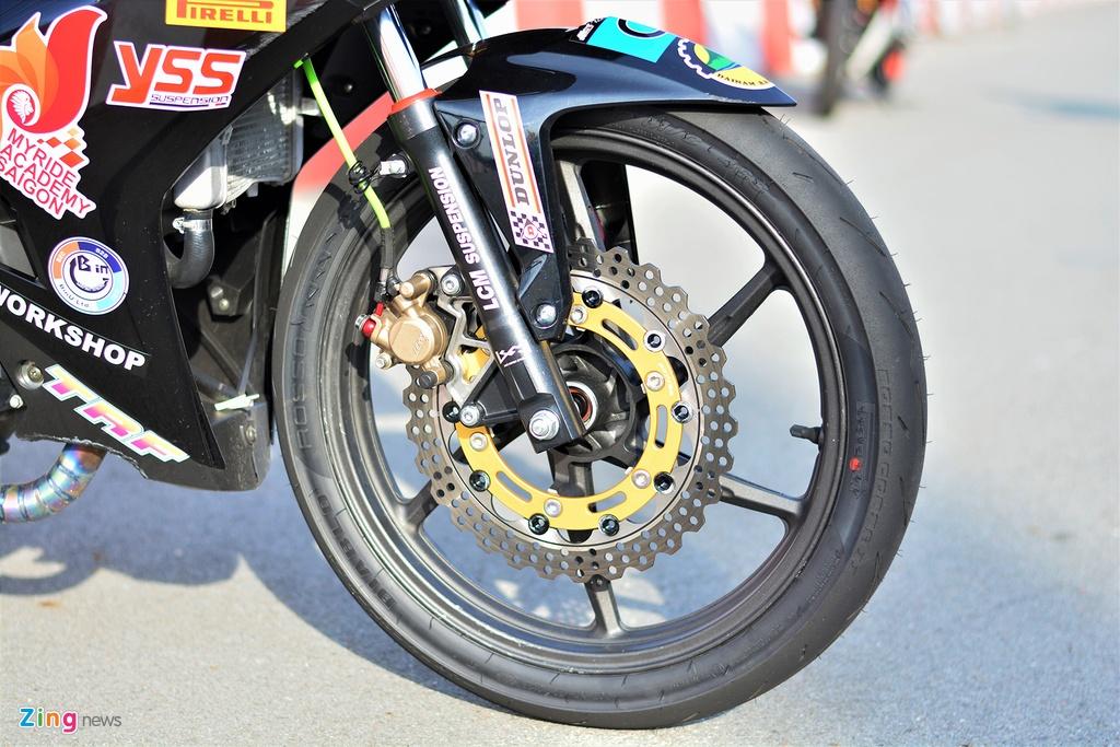 Yamaha Exciter 150 thay doi ra sao de bien thanh xe dua? hinh anh 2