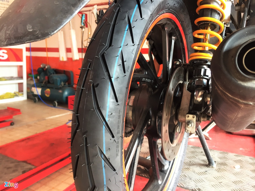 Lop Pirelli Rosso Sport cho xe pho thong - the thao, gia re, kem ben hinh anh 2 1_Rosso_Sport_zing.jpg