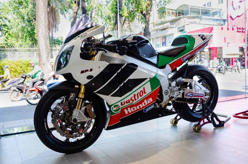 Chi tiet moto dua chay pho Honda VTR 1000 RC51 SP2 doc nhat VN hinh anh 1 Honda_VTR1000_SP2.jpg