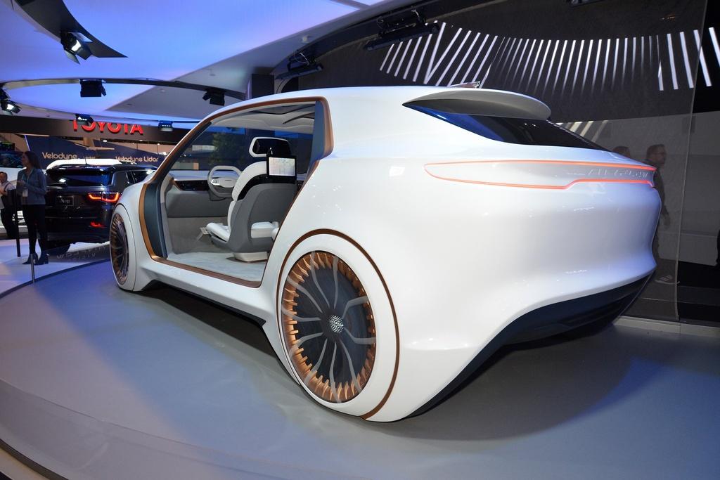 Ra mat Airflow Vision Concept - xe hoi tuong lai cua Chrysler hinh anh 7 Chrysler_Airflow_Vision_Concept_1.jpg