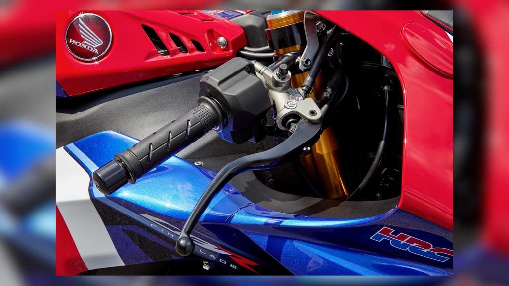 Honda CBR1000RR-R 2021 Fireblade SP lo dien, gia tu 28.000 USD hinh anh 5 2021_honda_cbr1000rr_r_fireblade_sp_5_.jpg