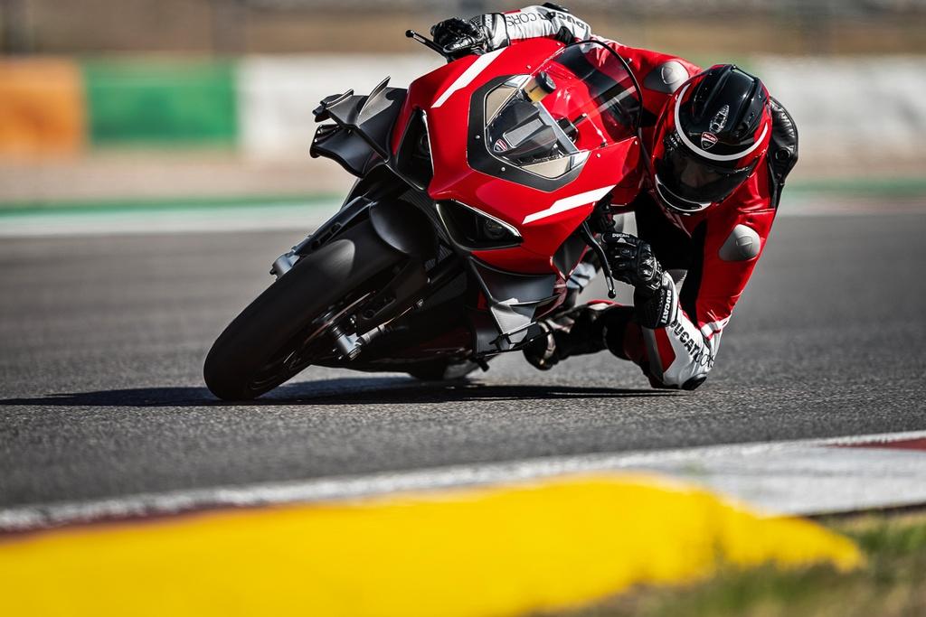 Ducati V4 Superleggera ra mat - khung suon carbon, gioi han 500 chiec hinh anh 2 2020_ducati_superleggera_v4_panigale_price_specs_official_38.jpg