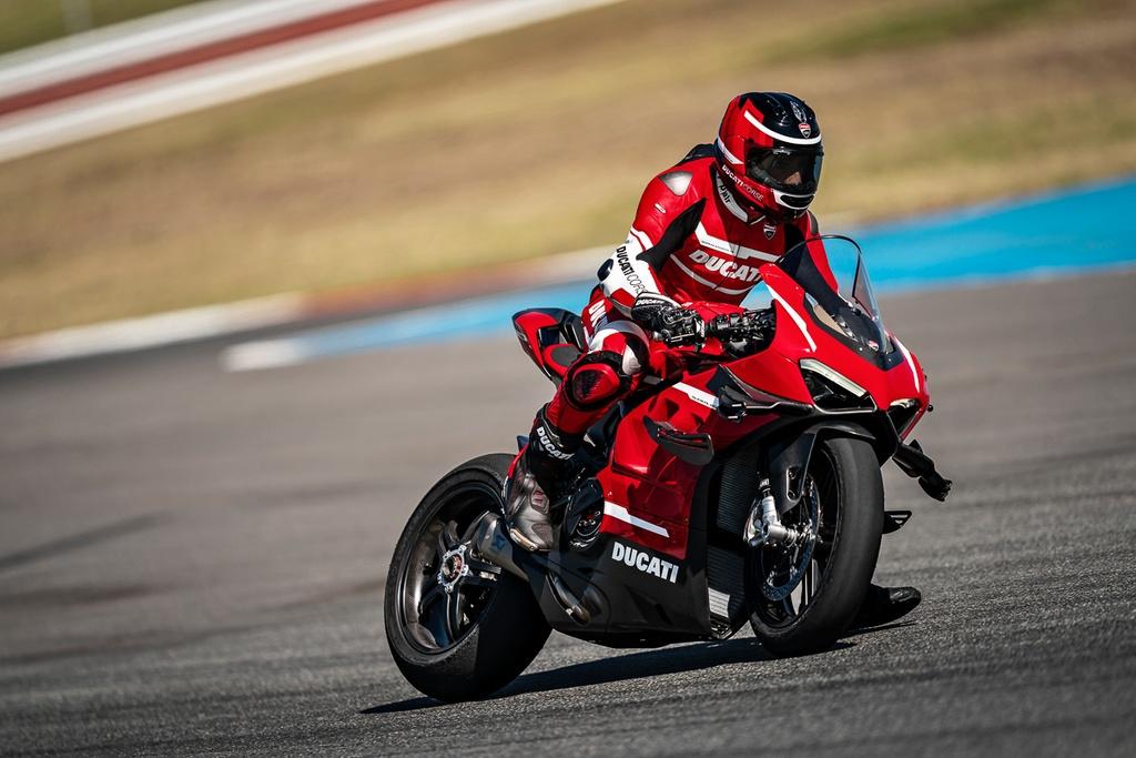 Ducati V4 Superleggera ra mat - khung suon carbon, gioi han 500 chiec hinh anh 8 2020_ducati_superleggera_v4_panigale_price_specs_official_40.jpg