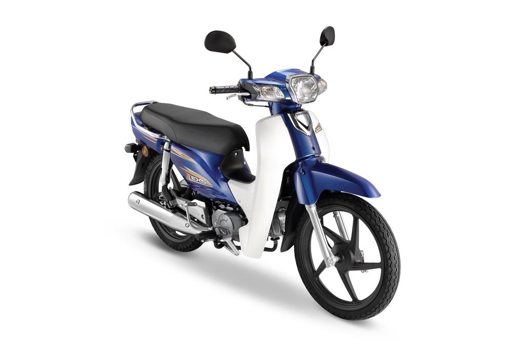 Boon Siew Honda vừa giới thiệu đến khách hàng Malaysia chiếc Honda EX5 2020, còn được gọi là Honda Dream tại Việt Nam. Mẫu xe này nhắm đến đối tượng khách hàng trẻ tuổi muốn sở hữu một chiếc xe bền bỉ, giá cả hợp lý.