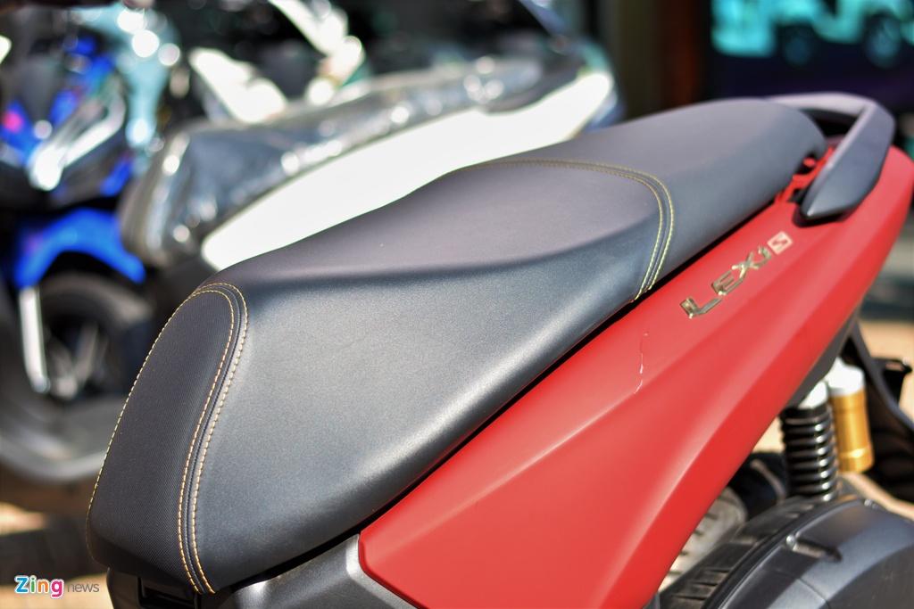 Yamaha LEXi tai Viet Nam - kieu dang la mat, doi thu cua Honda PCX hinh anh 10 11_LEXI_zing.jpg