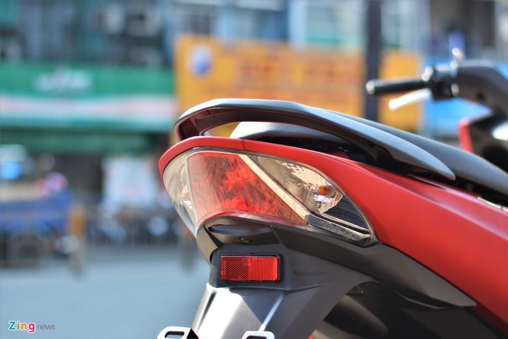 Yamaha LEXi tai Viet Nam - kieu dang la mat, doi thu cua Honda PCX hinh anh 12 12_LEXI_zing.jpg