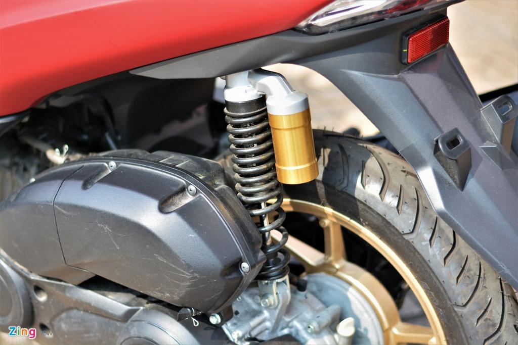 Yamaha LEXi tai Viet Nam - kieu dang la mat, doi thu cua Honda PCX hinh anh 13 14_LEXI_zing.jpg
