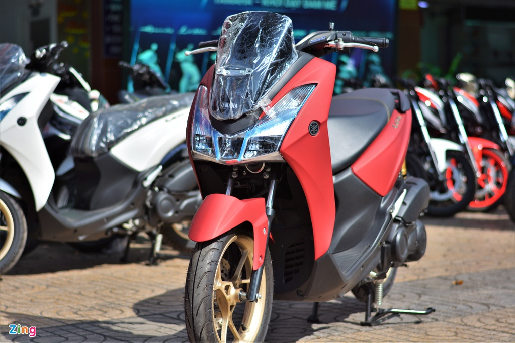 Yamaha LEXi tai Viet Nam - kieu dang la mat, doi thu cua Honda PCX hinh anh 3 3_LEXI_zing.jpg
