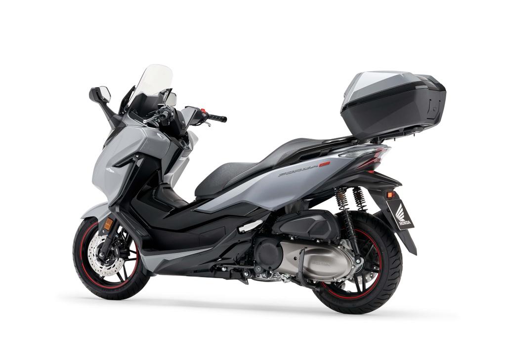 Honda  ra mat xe ga Forza 300 2020 hinh anh 9 2020_honda_forza_300_scooter_3.jpg