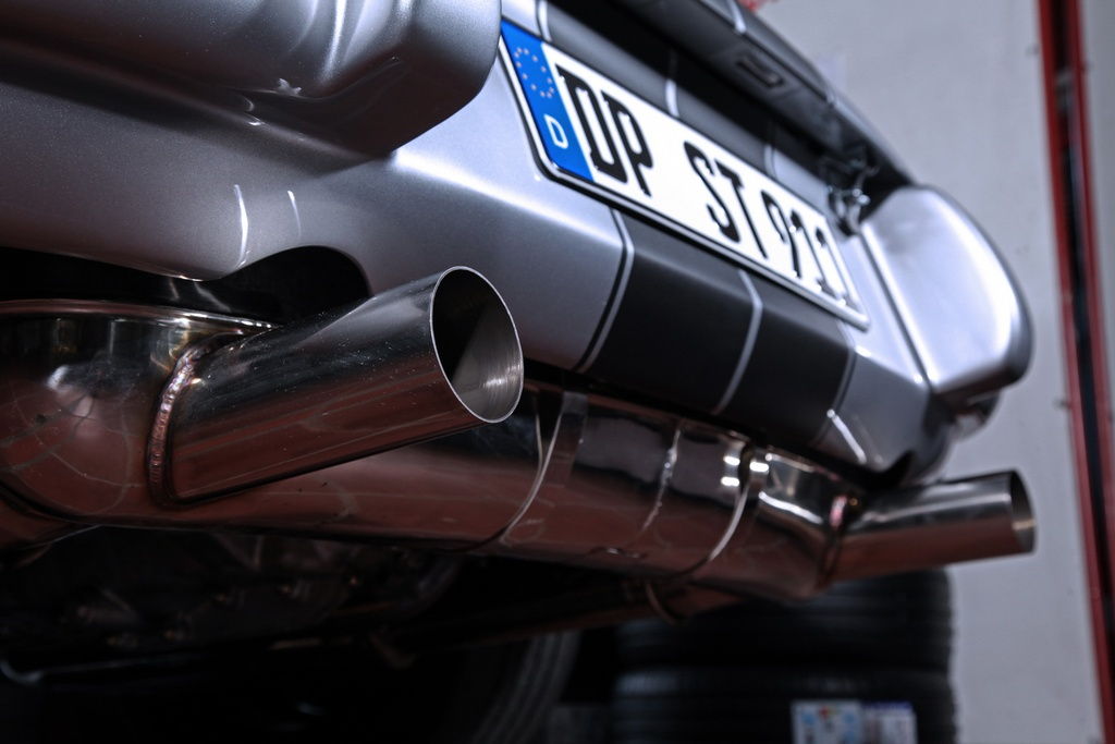 Porsche 911 doi 1985 do lai thanh xe co doi 1970 hinh anh 9 1985_porsche_911_tuning_dp_motorsports_11.jpg