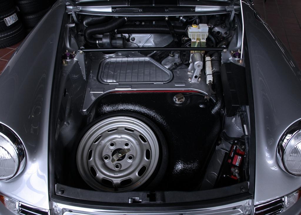 Porsche 911 doi 1985 do lai thanh xe co doi 1970 hinh anh 14 1985_porsche_911_tuning_dp_motorsports_12.jpg