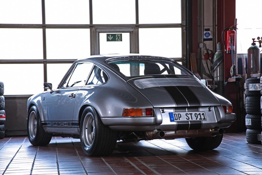 Porsche 911 doi 1985 do lai thanh xe co doi 1970 hinh anh 10 1985_porsche_911_tuning_dp_motorsports_7.jpg